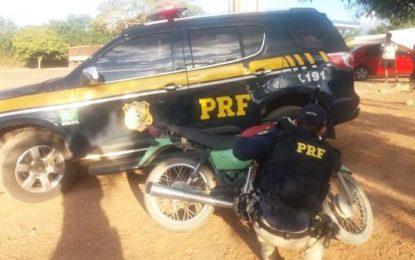 PRF de Floriano prende homem com moto roubada em Jerumenha