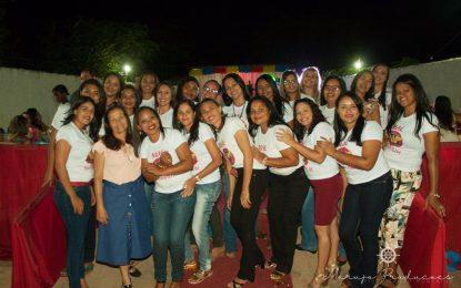 Colégio Santa Teresinha realiza festa Mamãe Maravilha em Bertolínia