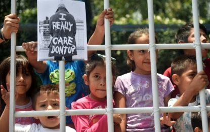 Juiz dos EUA ordena que menino brasileiro seja entregue à mãe