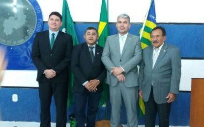 Maurício Bezerra é reeleito na Câmara de Floriano e fica no comando da Casa até 2020