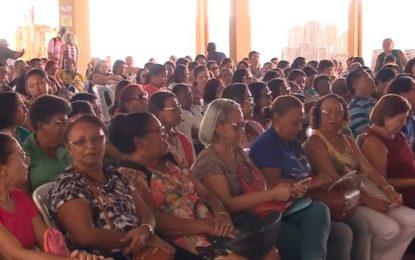 Professores da rede pública estadual decidem retomar greve
