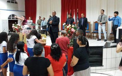 Igreja Assembleia de Deus realiza 4º culto bimestral com jovem da UMADEG
