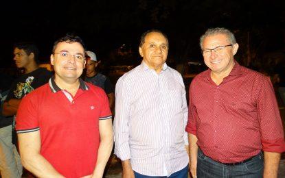 Assis Carvalho e Fábio Novo prestigiam Festejos de Marcos Parente