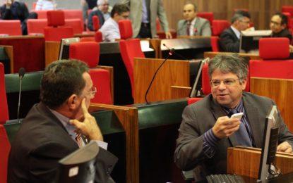 Deputados criticam falta de transporte escolar no interior do Piauí