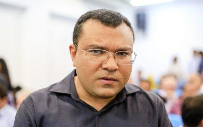 Vereadores denunciam prefeito no Piauí ao TCE por improbidade