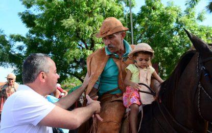 Valter Alencar comemora o dia nacional do vaqueiro em União