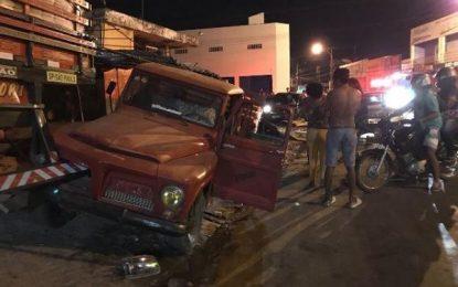 Acidente envolvendo dois carros deixa feirante morto na cidade de Floriano