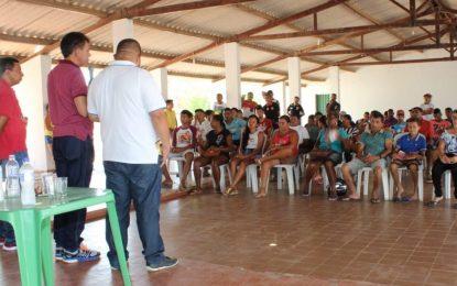 Deputado estadual Paulo Martins participa de plenária em Guadalupe