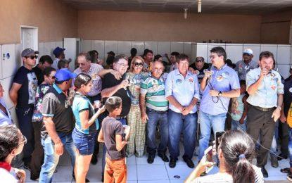 População de Alagoinha recebe a caravana de Luciano Nunes