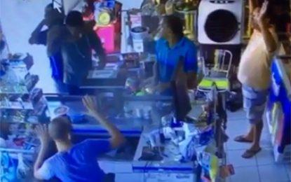 Floriano: vídeo mostra vítimas escapando de tiros em assalto