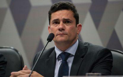 Moro se diz 'honrado' com convite de Bolsonaro e promete pensar