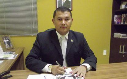 Adão Moura agradece a gestão municipal por recuperação de calçamento