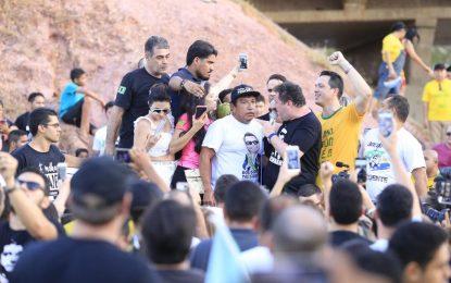 Senador Magno Malta participa de atos pró-Bolsonaro no Piauí
