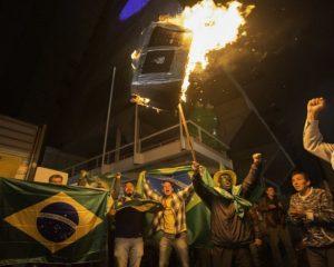 Briga entre apoiadores e críticos de Bolsonaro deixa um ferido em SP
