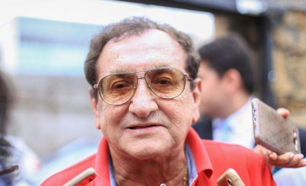 Promotor investiga prefeito Mão Santa por contratações irregulares em Parnaíba