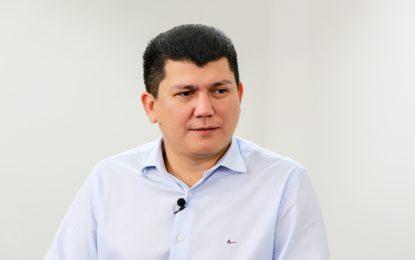 Gaeco cumpre mandado na casa do prefeito Rubens Vieira em Cocal