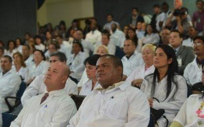 Adesão ao Mais Médicos cria déficit no SUS