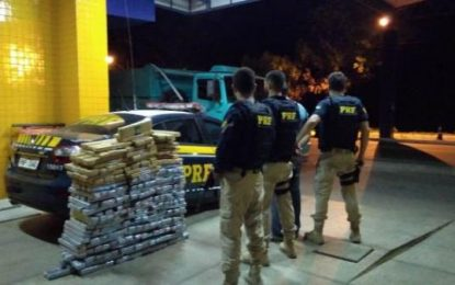 PRF prende caminhoneiro com 300 kg de maconha na BR 230 em Floriano