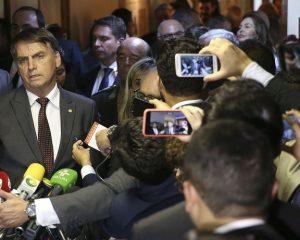 Bolsonaro recua e manterá Trabalho com status de Ministério