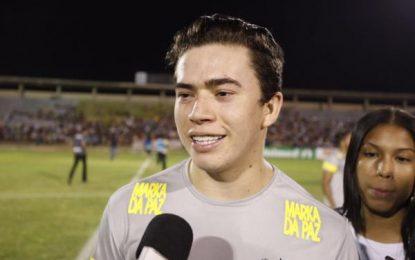 Whindersson expõe para o Brasil a vergonha que é o futebol piauiense