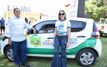 Prefeito de Marcos Parente entrega carro para a Secretaria de Assistência Social