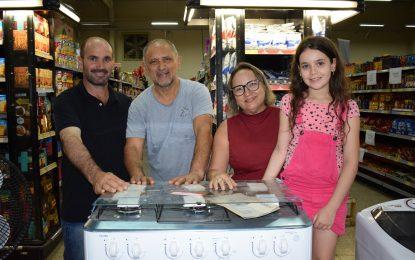 Sorteio de prêmios encerra aniversário do supermercado Super Mário