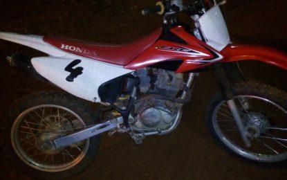 Policiais militares recuperam moto roubada da cidade de Guadalupe