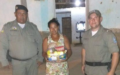 Policiais militares de Landri Sales realizam ação social com famílias carentes