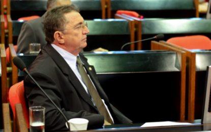 Deputado pede que SEDUC pague transporte escolar no interior
