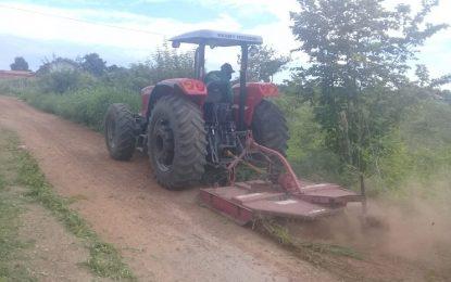 Prefeitura de Água Branca realiza manutenção de estradas vicinais