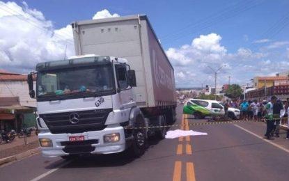Após ser atropelado por moto, caminhão passa por cima da vítima em Picos