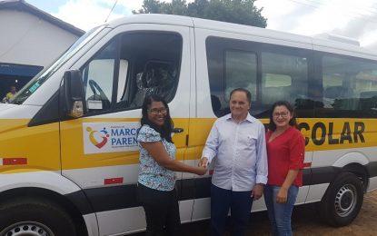Pedro Nunes entrega novo veículo para Educação de Marcos Parente