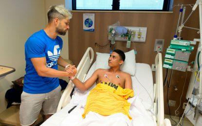Diego chora ao lembrar jovens mortos: 'Temos de seguir, seremos inspiração'