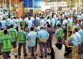 Metalúrgicos da Ford entram em greve após anúncio de fim de fábrica