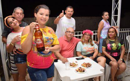 Prefeita de Guadalupe participa da concentração e festa do Bloco Kai Pra K na 3ª noite de carnaval
