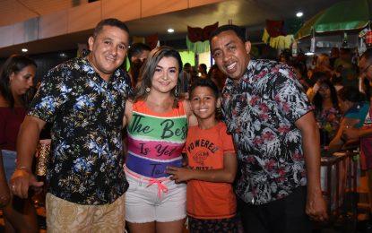 Chicabana reúne multidão no 2º dia do carnaval em Floriano
