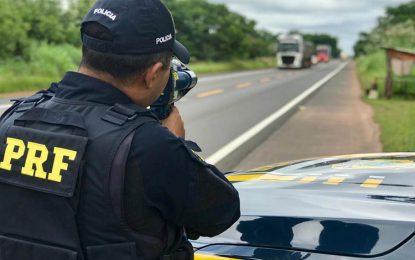 PRF do Piauí flagra 440 veículos com excesso de velocidade