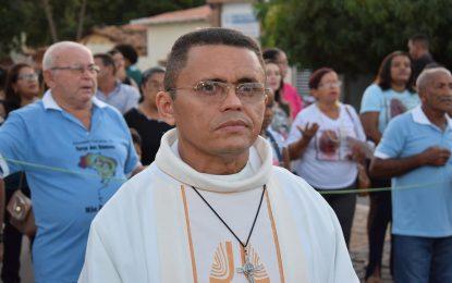 Padre Gilvan Dias divulga a programação da Semana Santa em Guadalupe