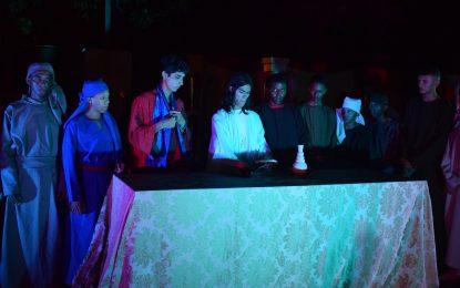Espetáculo da Paixão de Cristo reúne uma grande multidão em Guadalupe