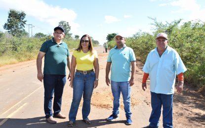 Prefeita de Guadalupe, presidente da Câmara e empresários fazem parceria para operação tapa buracos na PI-135