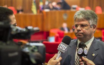 Gustavo Neiva diz que diretor administra o hospital de Floriano pelo WhatsApp