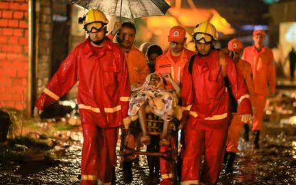 Enxurrada destrói 30 casas e deixa mortos na zona Sul de Teresina