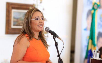 'Carta fora do baralho', diz Rejane sobre possibilidade de assumir secretaria no Piauí