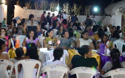 Filhos da comunidade Cajazeiras em Bertolínia, promovem festa em homenagem às mães