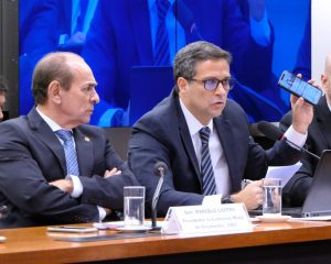 Comissão presidida por senador Marcelo Castro recebe presidente do BC