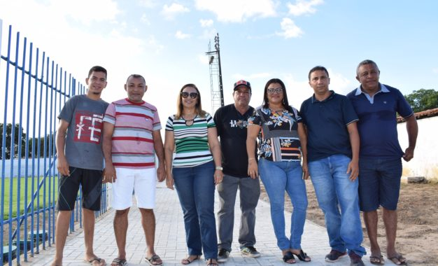 Prefeita Neidinha vistoria diversas obras que estão em andamento em Guadalupe