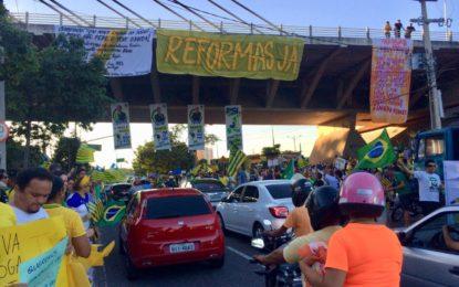 Teresina tem ato em apoio a Bolsonaro e à reforma da Previdência