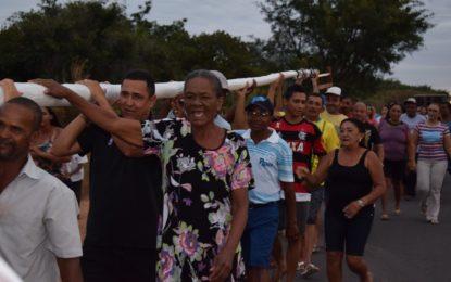 Caminhada com o mastro inicia os festejos de São João Batista em Guadalupe