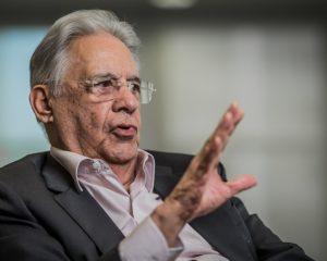 FHC critica pedidos de expulsão de Aécio