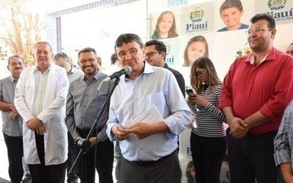 Governador inaugura obras de mobilidade e saúde em Picos